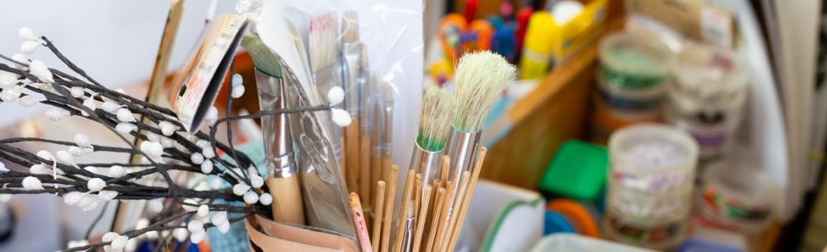 Paint Brushes Emerald Neighbourhood Centre Activities